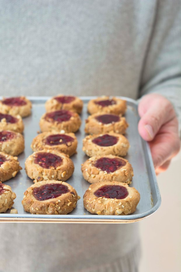 FOOD_THUMBPRINTS_COOKIES_RASPBERRIES_01_BC
